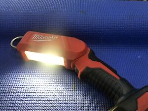 Milwaukee 18V Li-ion 180° Rotating LED Stick Light