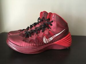 Nike HyperDunk Size 9  Mens Basketball shoes