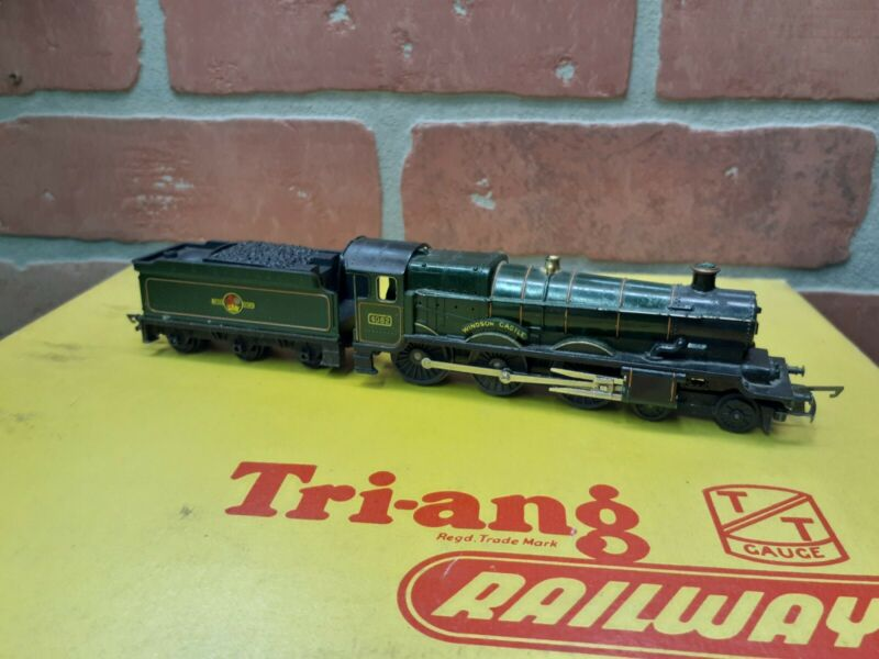 Triang Railways TT Gauge T. 91 Castle Class Locomotive