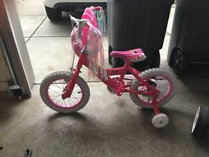 MINNIE MOUSE BIKE - LIKE NEW!