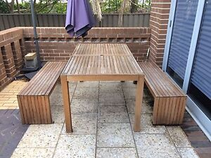 Outdoor table and benches Oxley Park Penrith Area Preview