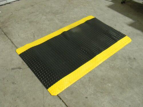 Pro Safe Heavy Duty Anti Fatigue Mat 5 Ft. x 3 Ft. Diamond Pattern Sponge Base
