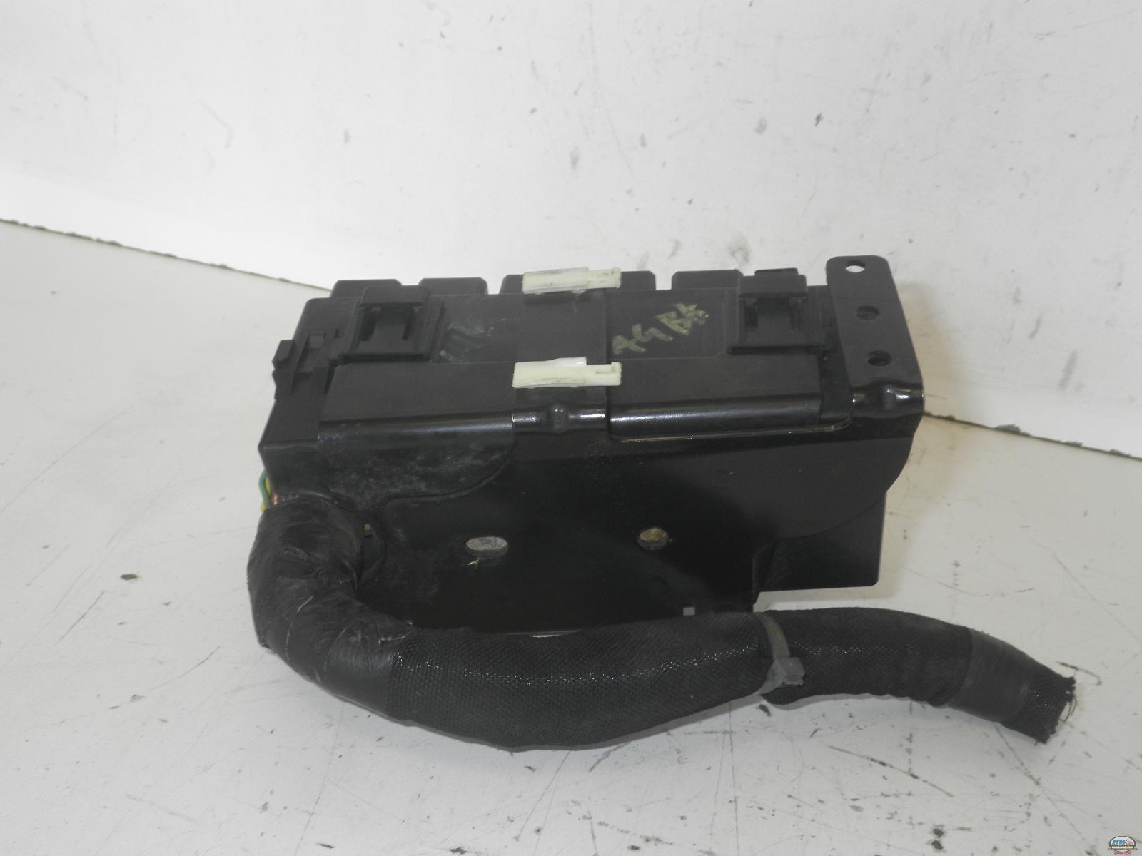 05-07 FORD ESCAPE ENGINE FUSE BOX XW4T14A068A | eBay