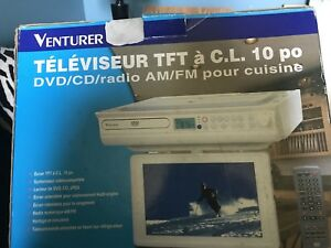Televisor TFT Television / Cable Ready / DVD/ CD/Radio AM/FM