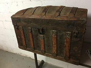 Antique wood and tin trunk Kitchener / Waterloo Kitchener Area image 1