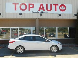 2012 Ford Focus SE AUTOMATIC 4 DOOR!