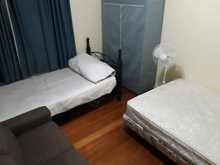 Cheap room in Melbourne