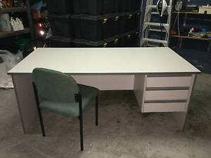 Student extra large desk Highland Park Gold Coast City Preview