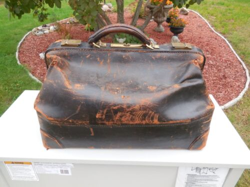 ANTIQUE 1875 GENUINE COWHIDE LEATHER DOCTOR