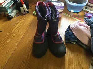 Girls sorel winter boots size 5