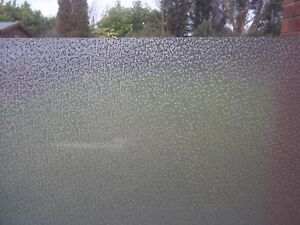 FROSTED-ICE-PRIVACY-GLASS-STATIC-CLING-WINDOW-COVERING-VINYL-FILM-NEW-1m-X-45cm
