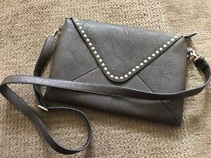 Excellent quality Lily & Ivy purse