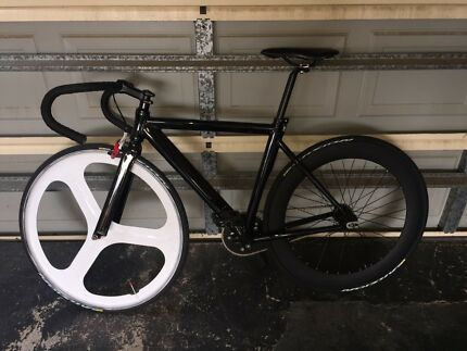 Fixie bike- Tri Spoke wheel, deep rim wheel, compagnolo brake caliper