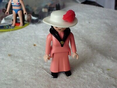 PLAYMOBIL VICTORIAN FEMALE  FIGURE WITH WHITE HAT   BRAND NEW