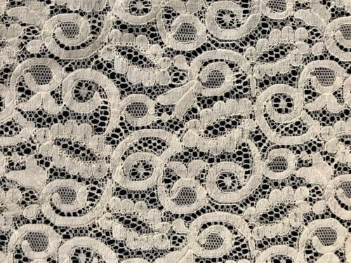 """Antique Vintage Gorgeous French Off-white Beautiful Alencon Lace Runner 32 x 13"""""""