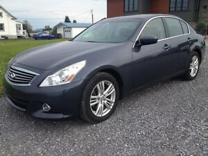 2010 infiniti G37X automatique 4x4 cuir mags toit