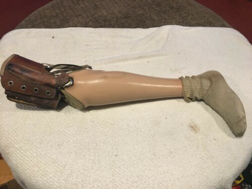 Antique Hinged Leg Prosthesis In very good used Condition