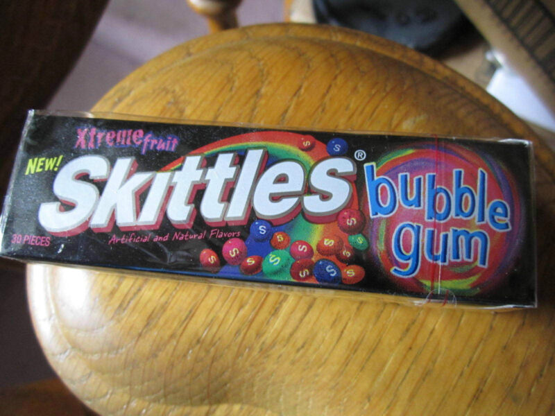 SKITTLES Xtreme Fruit Bubble Gum (1) Sealed Collector Pack (Very Rare!!)