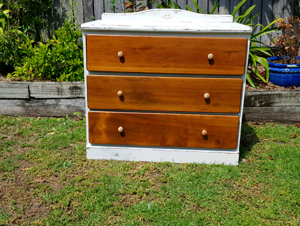 Chest of drawers shabby chic
