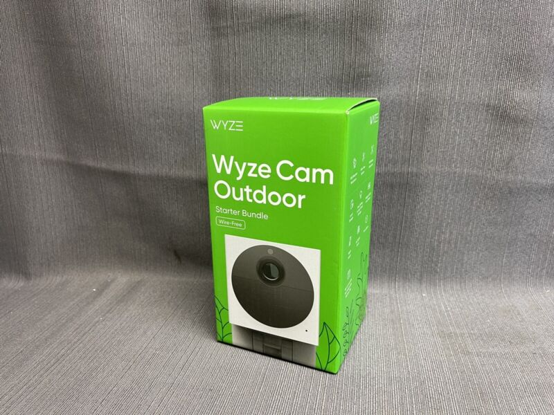 WYZE Cam Outdoor Wire-Free Security Camera Starter Bundle (BRAND NEW)
