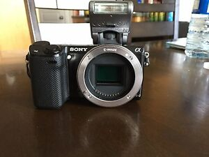 Sony NEX-5R E-mount wifi enabled mirrorless camera body + flash
