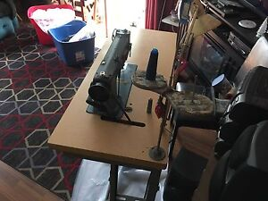 Singer 220u industrial sewing machine