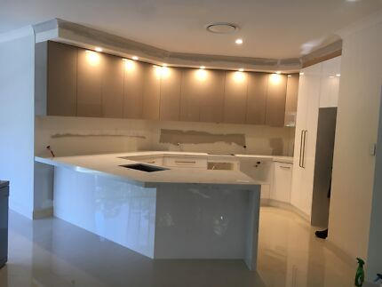 CABINET MAKER FOR BIG OR SMALL JOBS