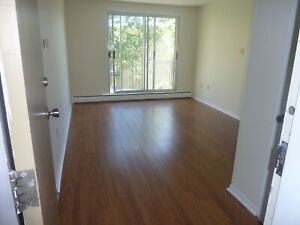 LARGE 1 BEDROOM APT DARTMOUTH WATERFRONT MAR / APRIL 1ST