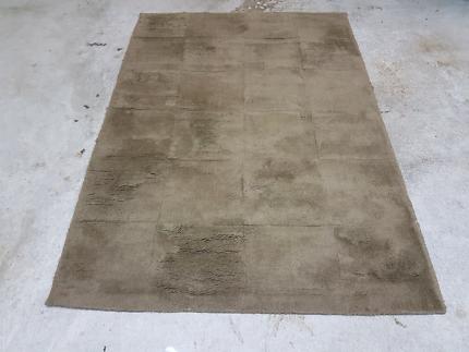 Brown rug/matt