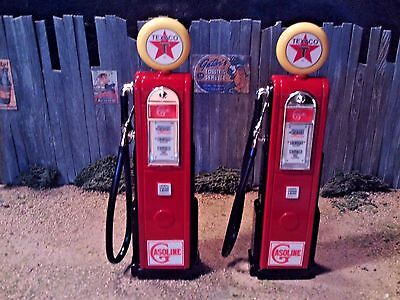 "One Pair of New ""Custom"" 1:18 Scale Diecast ""Texaco"" Gas Pumps"