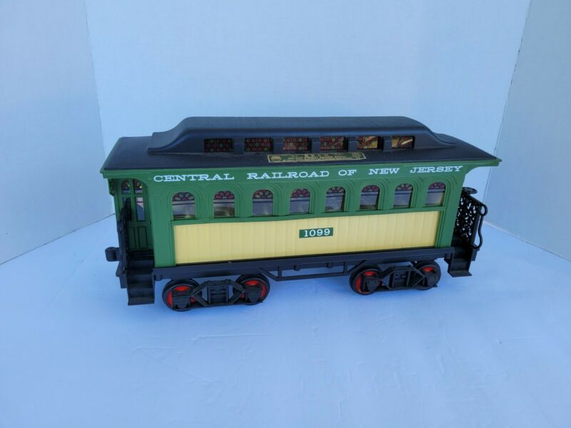 BAGGAGE TRAIN  CAR A JIM BEAM DECANTER BOTTLE  GREEN AND BLACK  { EMPTY )