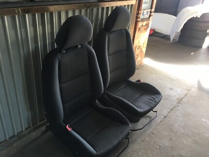 FORD FALCON FG FRONT SEATS PAIR