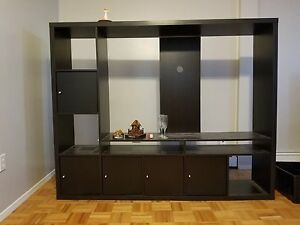 Tv stand, in good condition up to 60 flat screens.