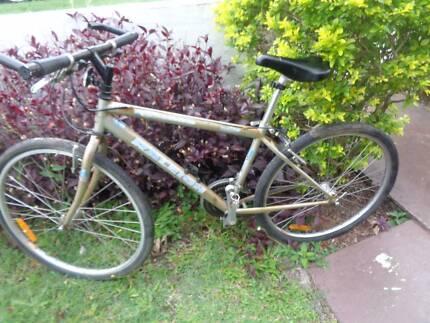 Vintage old school Raleigh hybrid push road bicycle  bike cycle
