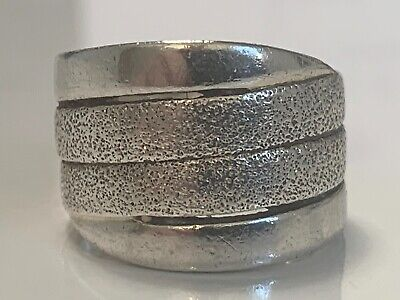 SOLID SILVER RING STUNNING NOT SCRAP LOT 49B