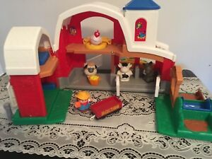 Fisher price garage and farm. AVAILABLE