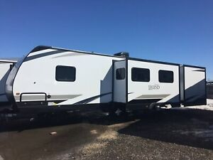 2019 Surveyor by Forest River 323 BHLE
