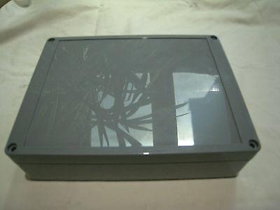 1 Stück Universal-Gehäuse 200 x 150 x 55 mm ABS hellgrau IP65 mit Dichtungsgummi