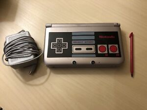 """Rare Nes Style """"Retro"""" 3DS XL Console, Charger & stylus"""