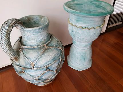 Pot/ vase decorative
