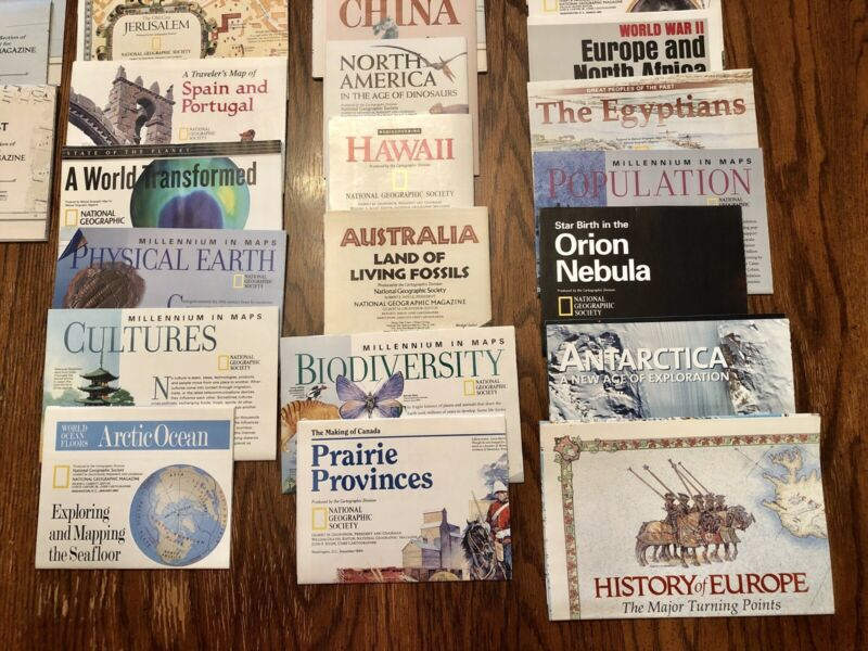 Vintage national geographic maps lot Of 25.