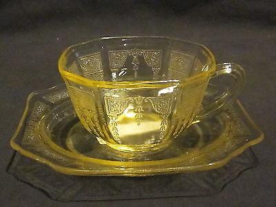Hocking Glass Princess Topaz Cups & Saucers (4)