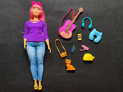 Barbie Dream House Adventures Daisy Travel Doll, Pink Hair & Accessories Open