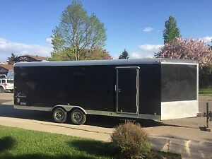 RENTING 29' Enclosed Trailer