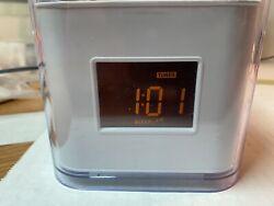 Audiovox Venturer CR8030iE5 Dual Alarm Clock, AM/FM Radio / Dock for iPod/iPhone
