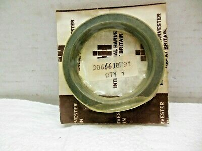 Nos International Harvester Tractors 2300 276 354 384 Seal 3066618r91