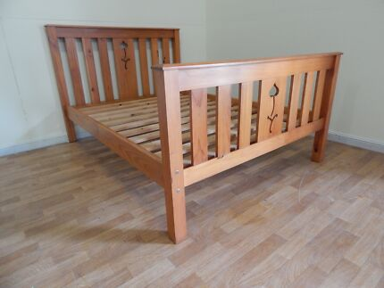 Double bed frame classic design SYD DELIVERY & ASSEMBLY AVAILABLE