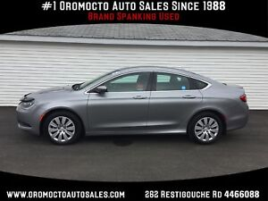2015 Chrysler 200 Only 08000 km ,ONE OWNER, FACTORY WARRANTY