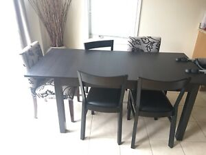 Kitchen / Dining table with chairs
