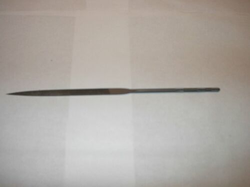 CLOSEOUT GROBET CROSSING 20 CM # 4 CUT FILE ( 3 PIECES FOR 25.00)